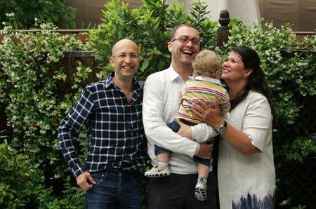 Myriam, madre de alquiler de un bebé catalán, explica por qué lo hizo