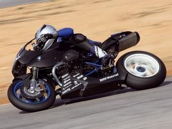 El equipo BMW Motorrad, vuelve al asfalto