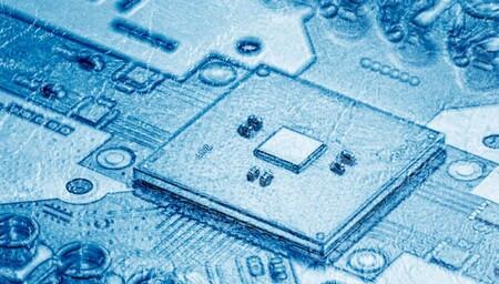 Intel y QuTech solucionan uno de los cuellos de botella de la computación cuántica: la conexión de chips a temperatura criogénica