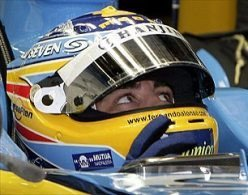 Fernando Alonso cambia de casco