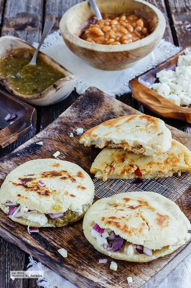 Gorditas de chicharrón. Receta tradicional mexicana