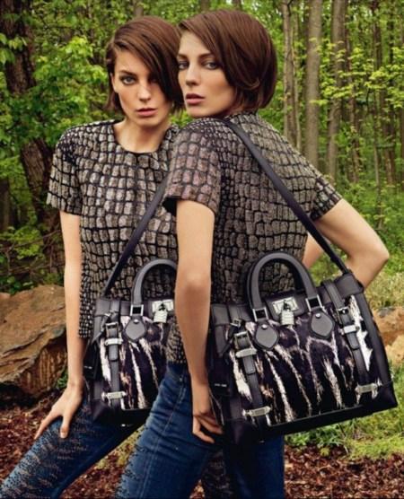 Las dos caras de Daria para Roberto Cavalli y los dos errores del photoshop