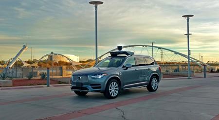 El coche autónomo de Uber en aprietos: no podrán circular en Arizona, algo pasó con el Lidar