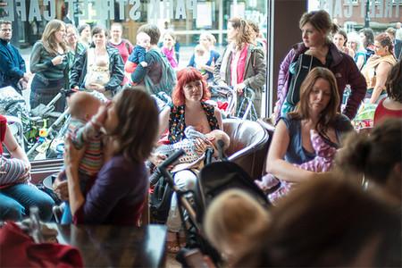 Las madres lactantes se reúnen hoy en las tiendas Primark de toda España (y yo aplaudo su método)