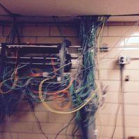 La asombrosa historia de los reclusos que construyeron dos ordenadores dentro de una prisión