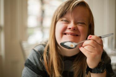 ¿Llevarías a tu bebé a una escuela infantil con una educadora con síndrome de Down? Esta mujer rotundamente no
