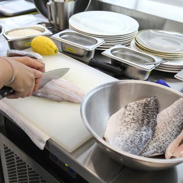 Cómo ordenar tu cocina como la de los profesionales para ahorrar tiempo y disgustos