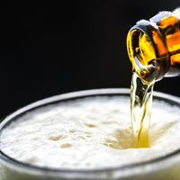 ¿Sabes por qué es buena la cerveza sin alcohol durante la lactancia?