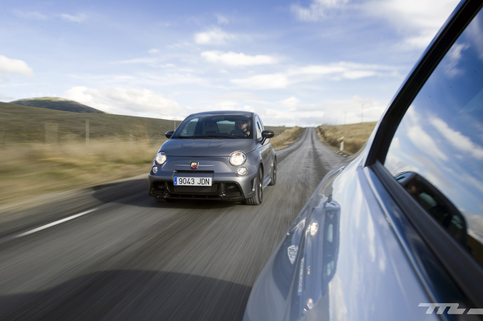 Foto de Abarth 695 Biposto vs BMW M2 (4/44)