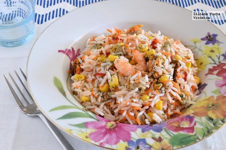 Ensalada marinera de arroz. Receta saludable