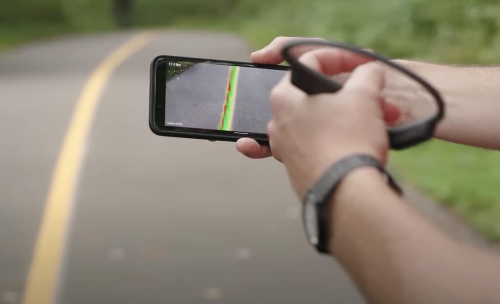 Esta IA de Google permite a personas con visión reducida correr con sólo la ayuda de un smartphone