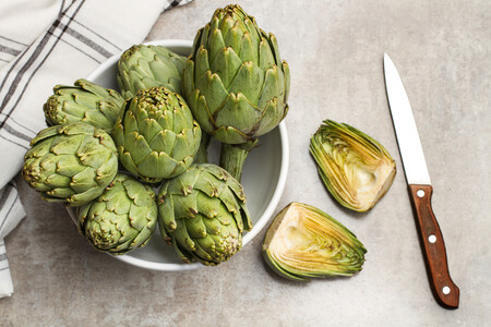 Alcachofa de temporada, una flor de primavera sabrosa y saludable: 18 recetas para usarla, qué es y cuáles son sus propiedades