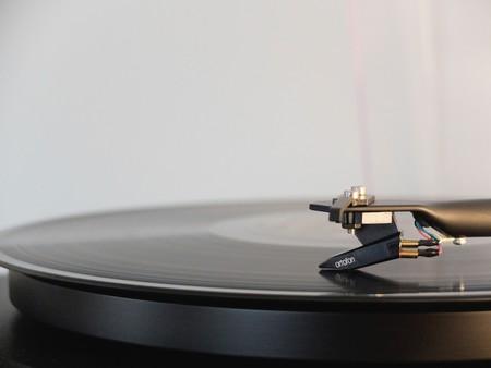 En un mundo donde hasta el silencio tiene dueño, un algoritmo ha generado todas las melodías básicas para reducir demandas de copyright