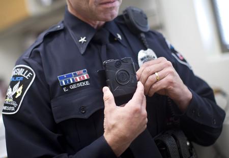 ¿Cambiarías un teléfono con Windows por un iPhone? En Nueva York la policía va a cambiar más de 40.000