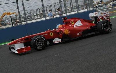 Fernando Alonso consigue el mejor tiempo el viernes del Gran Premio de Europa