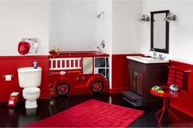 Un coche de bomberos en tu bañera