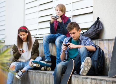 Por qué ser adolescente siempre ha sido una mierda y en la era de las redes sociales más