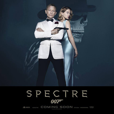 Daniel Craig invita a Léa Seydoux a compartir con él la nueva cartelera de 007 Spectre