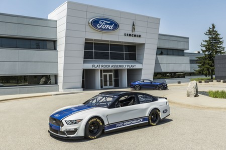 Ford presentó el Mustang con el que correrá en NASCAR en 2019