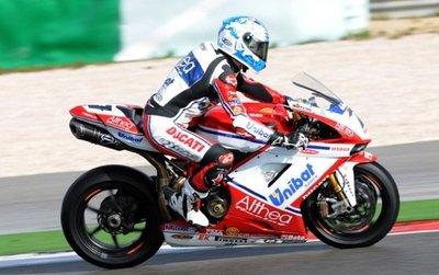 Superbikes 2011: recital de Carlos Checa en Phillip Island