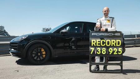 Porsche Cayenne Record Nurburgring 5