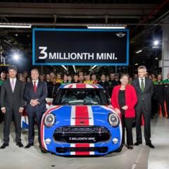 Foto 9 de 9 de la galería sr-produce-el-mini-numero-tres-millones en Motorpasión México