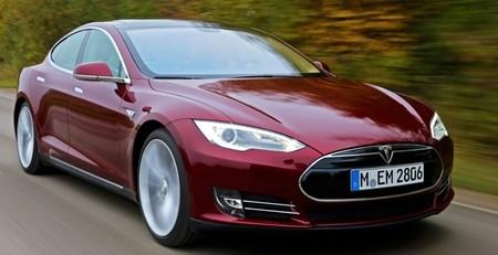 Tesla Model S rojo Europa