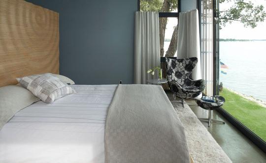 Foto de Puertas abiertas: un dormitorio con vistas (1/3)