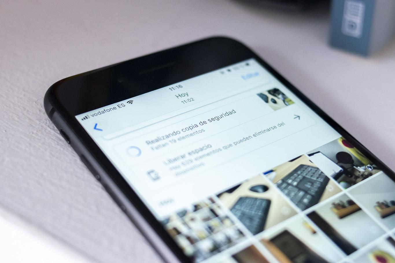 """Un """"error"""" en Google Fotos permite almacenamiento ilimitado en calidad original a los usuarios de iPhone pero..."""