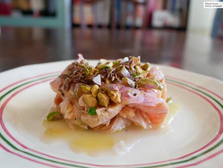 Ceviche de trucha (o salmón) con mantequilla marrón y pistachos: una receta que enamora