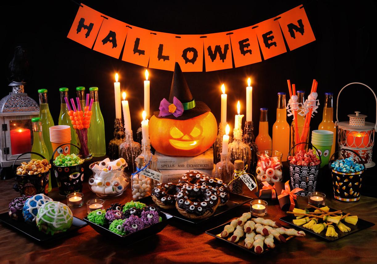 17 espeluznantes accesorios para decorar tu mesa en Halloween que puedes encontrar en Amazon por menos de 15...