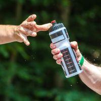 Cómo entrenar la hidratación mientras practicamos running