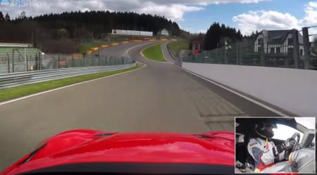Este Ferrari F12tdf en Spa-Francorchamps es todo un espectáculo (vídeo)