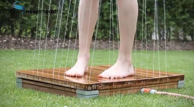 Ducha de jard n autom tica para refrescarse en verano - Ducha para jardin ...