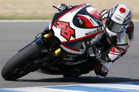 MotoGP Gran Bretaña 2010: Shoya Tomizawa se lleva el gato al agua en Moto2