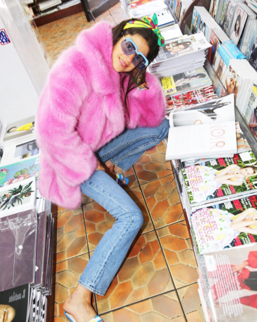 ¡Alerta de moda, los abrigos de pelo rosa arrasarán la próxima temporada!
