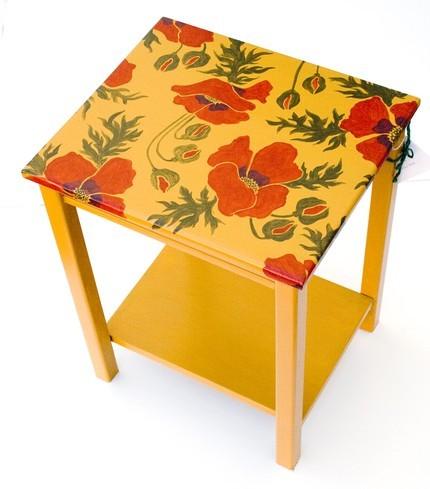 Regalos decorativos para esta Navidad: muebles y complementos pintados a mano