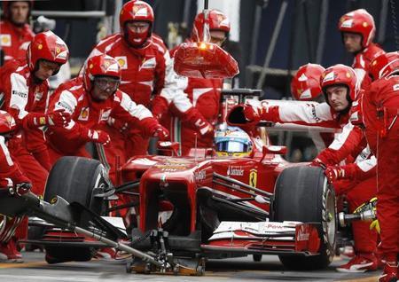Los equipos no aceptan las dos paradas obligatorias por carrera