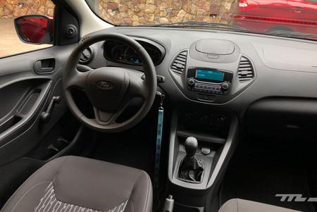 Interior Ford FIGO