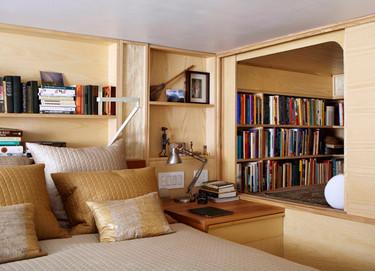Un apartamento minúsculo lleno de rincones secretos