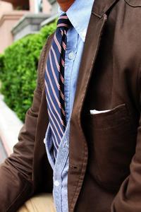 ¿Hay algo que te guste del mundo de la moda? A mí sí, las corbatas con cuello de botones
