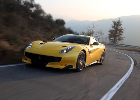 Ferrari F12tdf 2016 1600 04
