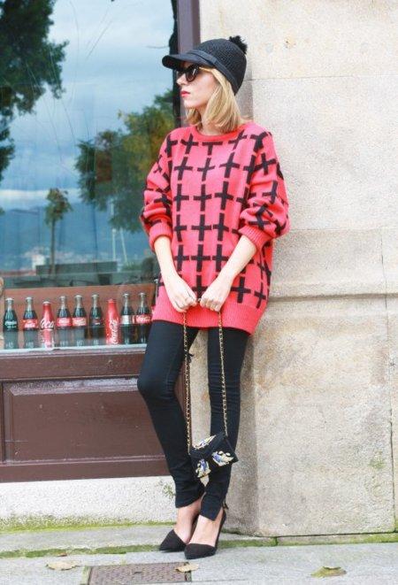 Tres maneras de lucir jerséis oversize sin perderte en ellos