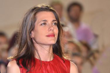 Carlota Casiraghi se convierte en la mujer de rojo con un look que seguro fichará doña Letizia