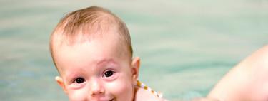Nueve juegos para estimular la psicomotricidad de tus hijos en la piscina