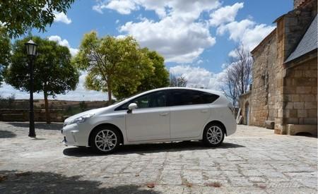 Toyota Prois+ monovolumen lateral