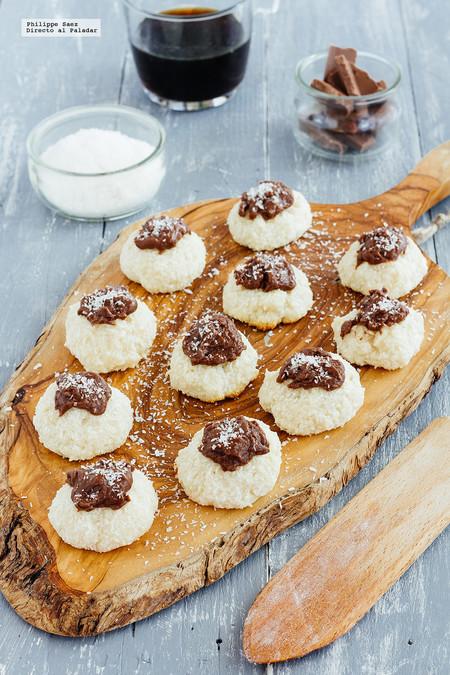 Cómo hacer bolitas de coco y chocolate