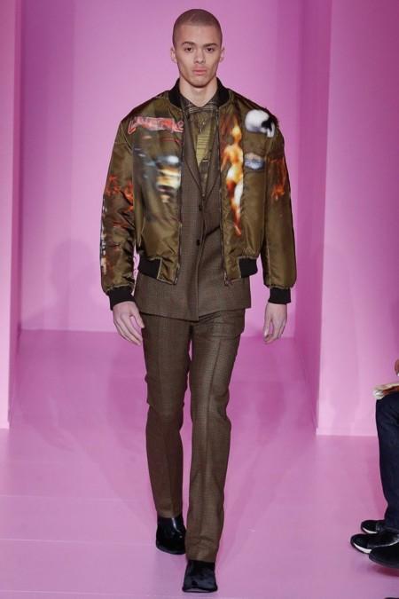 Más urbana imposible: Givenchy y su colección de invierno se presentan en París