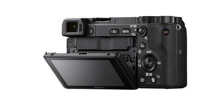 Sony Alpha A6400 2
