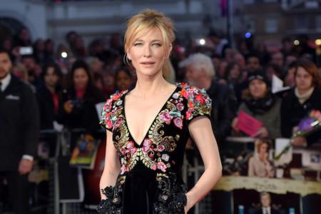 Cate Blanchett más joven y guapa que nunca vestida de Schiaparelli Alta Costura